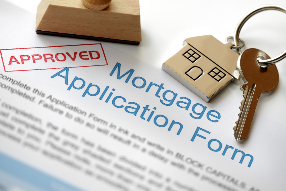 Bank of England divided on rates- is now the time to fix the rate of your mortgage?